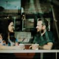 Small talk im Cafe